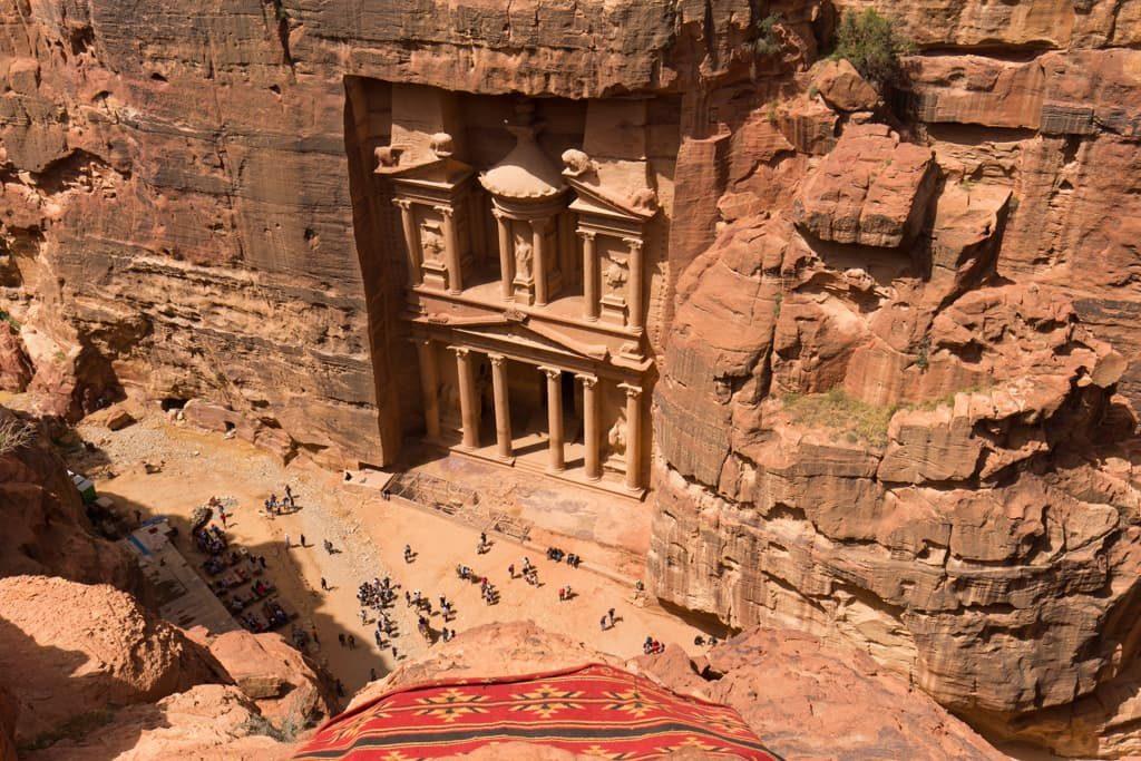 mirador, el tesoro, petra, jordania